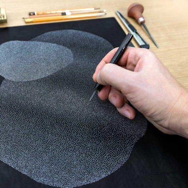 tworzenie linorytu punktowego na pomocą dłuta do kropek